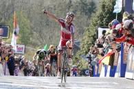 Follow Spaniolul Joaquim Rodriguez (Katusha) a câștigat miercuri Săgeata Valonă, cursă desfășurată în Belgia, între Charleroi și Huy, pe distanța de 194 de kilometri. Rodriguez a confirmat astfel așteptările specialiștilor, […]