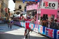 Follow Joaquim Rodriguez (Katusha) a câştigat duminică etapa a cincea din Tirreno-Adriatico, desfăşurată pe distanţa de 230 de kilometri, între Ortona şi Chieti. Spaniolul a atacat cu 1.400 de metri […]