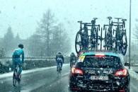 Follow Cursa Milano – San Remo, care se desfășoară astăzi, în Italia, a fost întreruptă din cauza căderilor masive de zăpadă. Competiția a fost neutralizată la Ovada, iar un nou […]