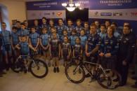 Follow Tuşnad Cycling Team, singura echipăcontinentală din ciclismul românesc în 2015, şi-a prezentat miercuri, la Miercurea Ciuc, rutierii pe care se va baza în acest an competiţional. Marea noutate propusă […]